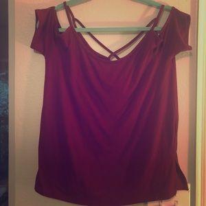 Red shirt sleeve shirt